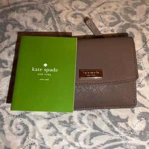 Kate Spade Small Key Ring Wallet (GREAT CONDITION)
